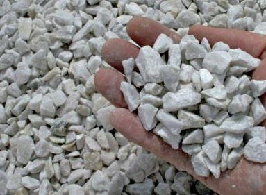 Vit krossad marmor