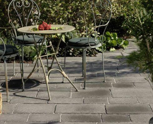 Betongplattor för trädgård